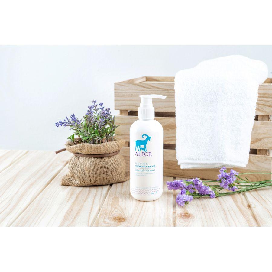 ครีมอาบน้ำ น้ำนมแพะ ( GOAT MILK SHOWER CREAM) 200 มล